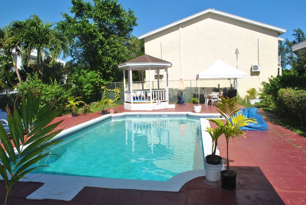 Cozy 1 Bed Apartment Close To Beach Apartments For Rent In Nassau New Providence Bahamas