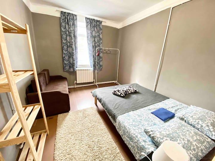 Уютная комната в дачном стиле на Бауманской