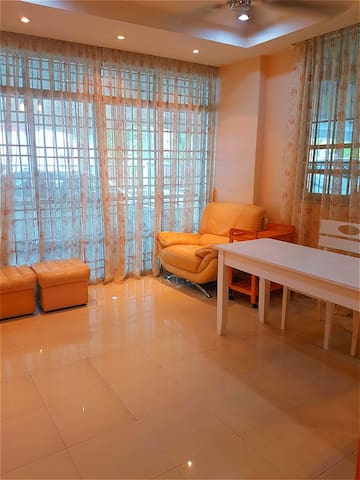 FULL IN Homestay A/S -FREE WIFI- ASTRO -UBOX