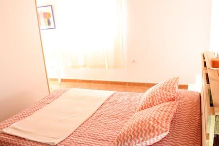Apartamento + playa + aeropuerto. A - El Goro