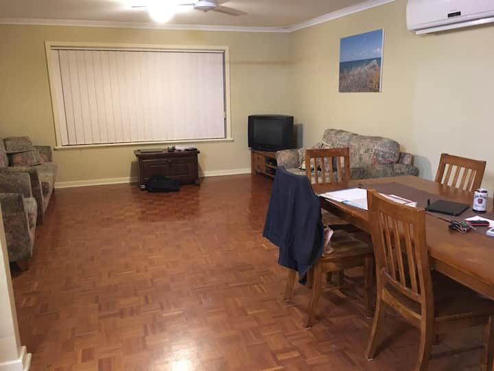 Spacious Dongara Home close to everything
