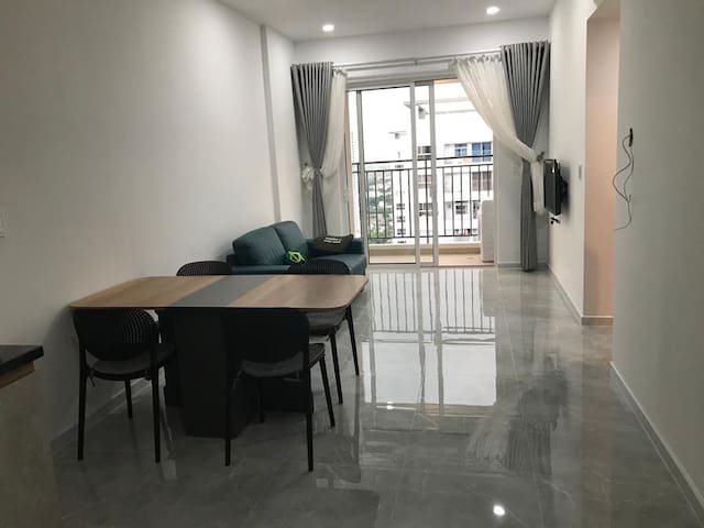 Brand new 2BR apt to let close to d7, Phu My Hung