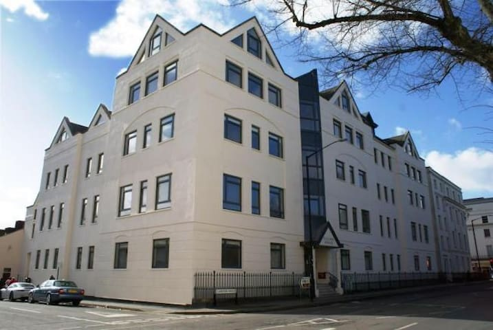 Leamington Spa Town Centre Flat - Royal Leamington Spa - Apartamento