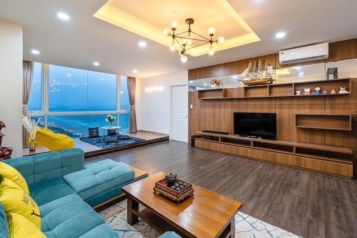 BEACHFRONT 3BR Apartment on 28th Floor