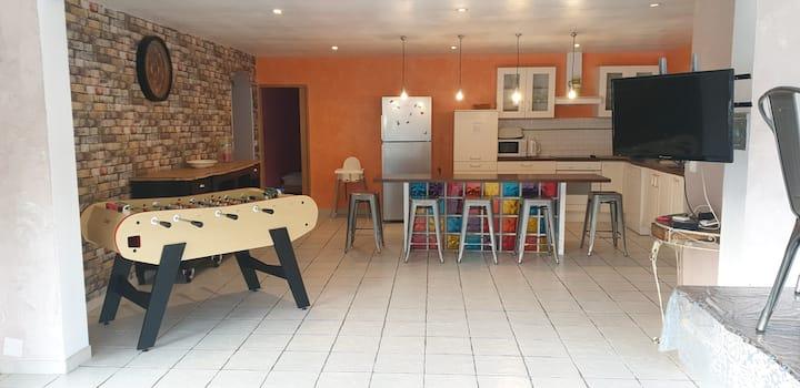 villa, piscine et jacuzzi pour 10 personnes