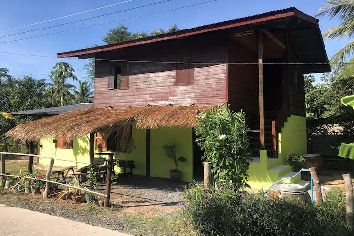 Isaan Style SURIN Homestay