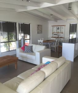 Cotton Tree Apartments - Maroochydore