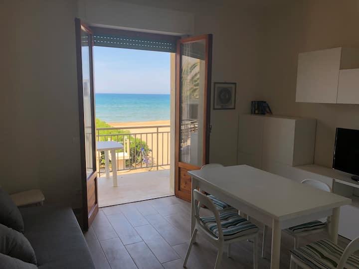 Nuovissimo appartamento SUL MARE. San Vincenzo