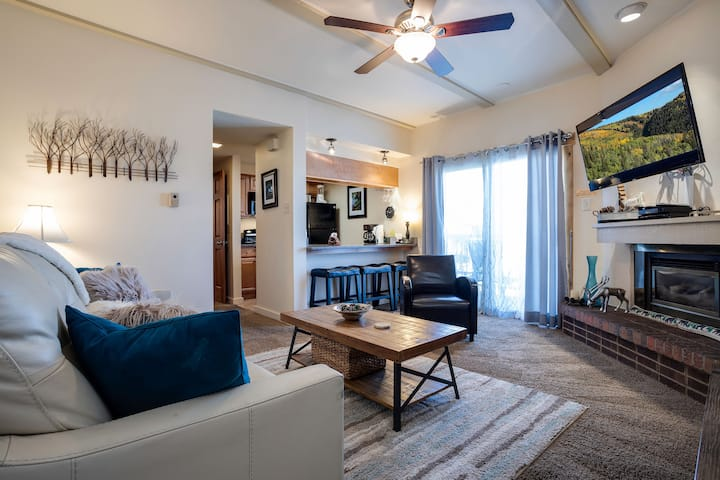 Discounted lift tickets! Spacious Steamboat Condo w/ Great Location! -  Rockies 2428