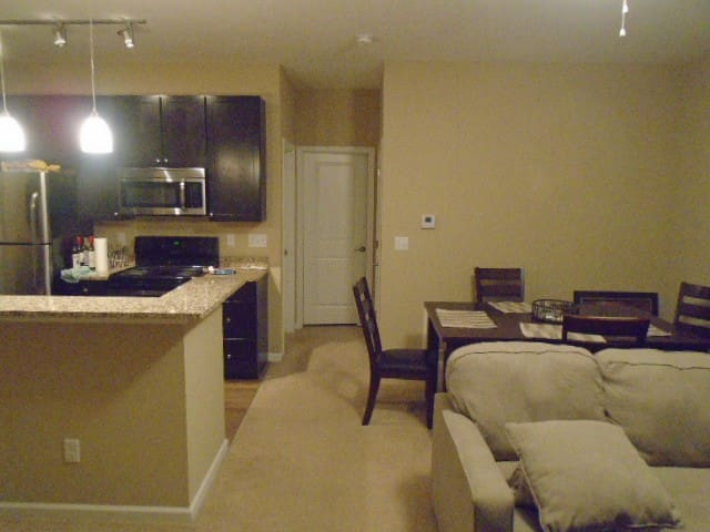Grandview Apartment with attached garage - Columbus - Pis