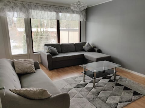 Viihtyisä rivitalokaksio saunalla * Cozy Apartment