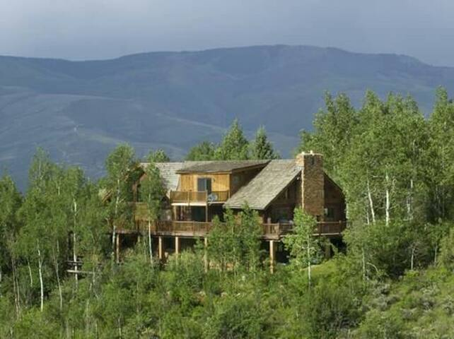 Serenity- Log Cabin Home - Edwards - บ้าน