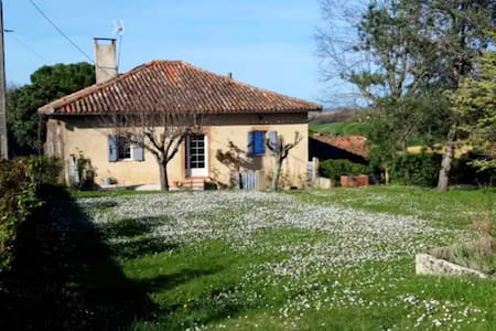 Spaziosa casa con giardino