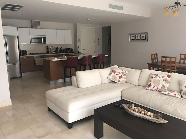 Alquilo hermoso apartamento de playa Buenaventura