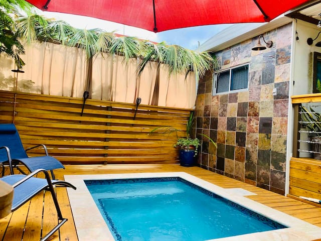 Private Pool Romantic Suite in Downtown Rincon!!