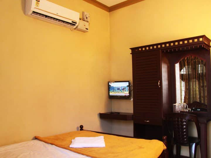 Air conditioned private room in Wayanad