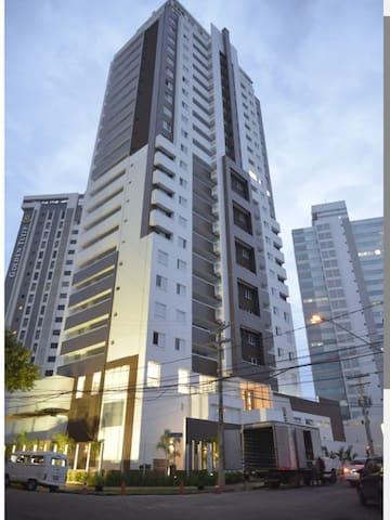 Belíssimo apartamento duplex no Setor Oeste
