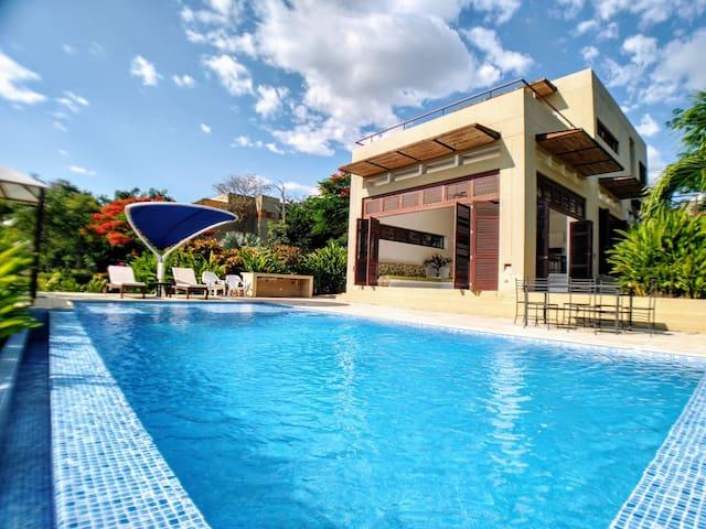 Hermosa y privada casa en Anapoima