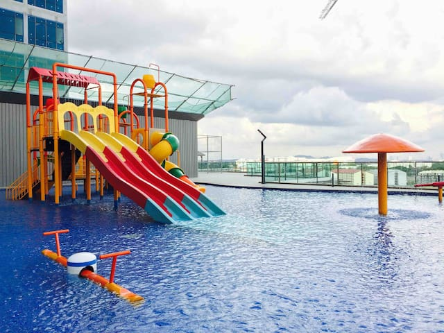 【FUN Mini Water Playground!】{AUSTIN} 2BR 7pax byⓗⓢ