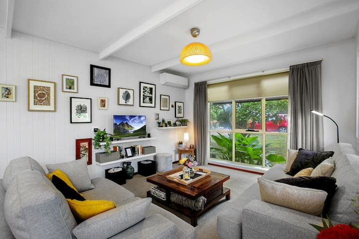 Cosy Cottage: Modern 2 BR Apartment with Netflix