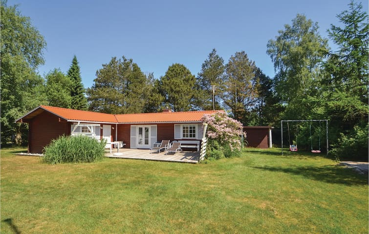 Holiday cottage with 3 bedrooms on 72m² in Ørsted