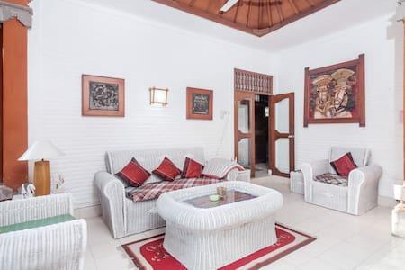 Villa DiFiore beach side Sanur - Denpasar - Villa