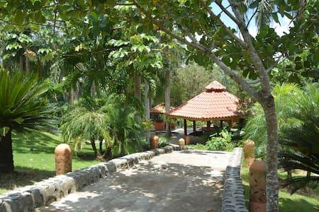 LA FINCA Vila Altagracia 30min de Sto.Dgo con CHEF - Villa Altagracia