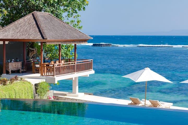 INDVNBA408 - Beachfront Luxury Villa