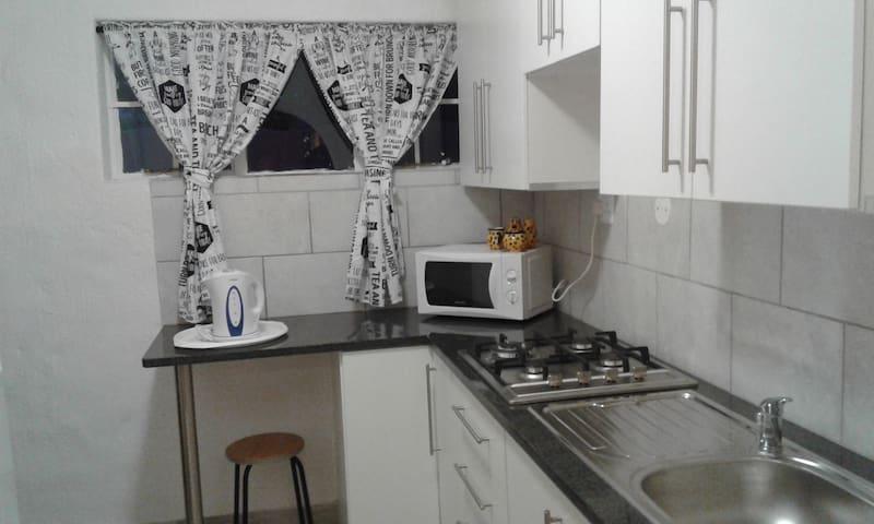 Apartment close to O R Thambo Airport Kempton Park - Kempton Park - Wohnung