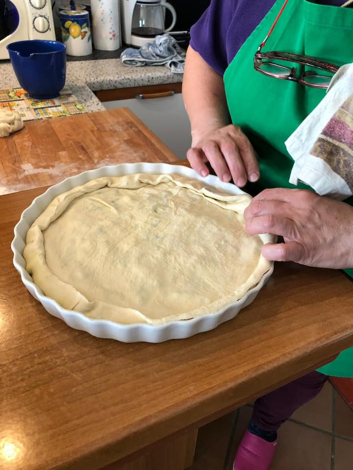 Sealing Asparagus pie's crust