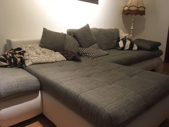 Sofa schlafplatz am aufseßplatz - Nürnberg - Apartemen