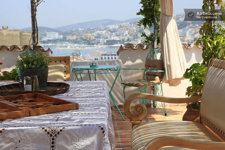 One large double bed /Ensuite - Kusadasi - Aamiaismajoitus