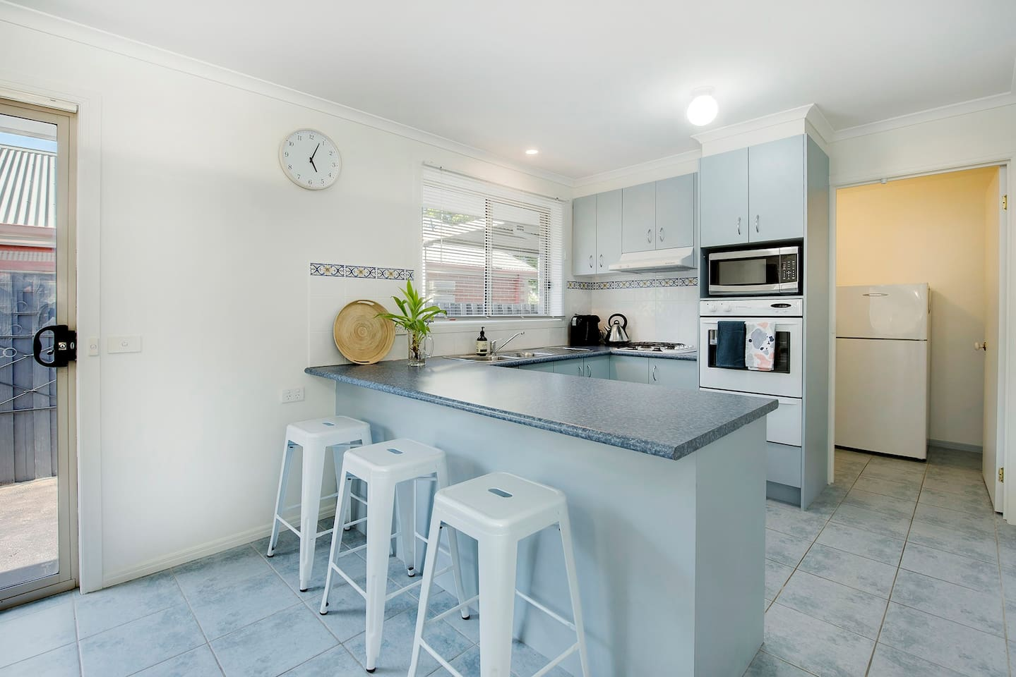 FIRST TO THE BEACH ROSEBUD - Houses for Rent in Rosebud, Victoria ...