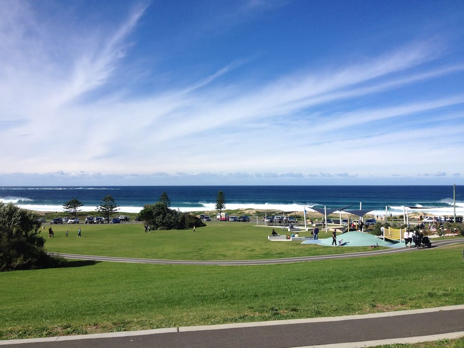 Cronulla beach is just 15 drive from here.