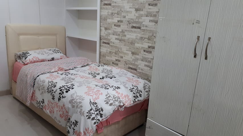 ROOM JUST FOR GIRLS