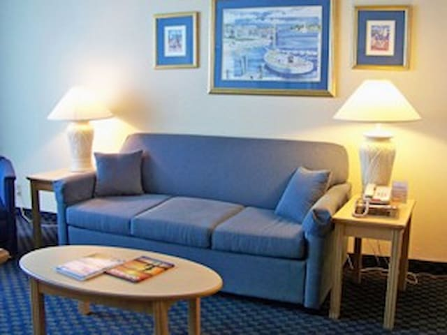 Oceanfront Family Suite, Myrtle Beach (Schooner)