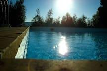 Giochi di luce in piscina