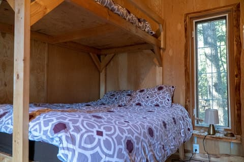 Pet Friendly Cabin at Ness Creek