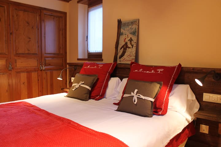 CLAVERÒLA - Tredòs - House
