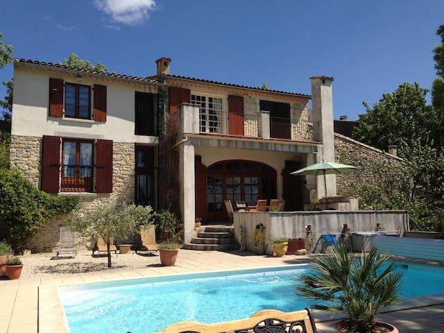La Remise - villa with pool & view - Aigremont - Haus