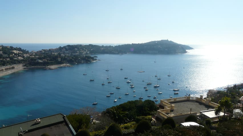 Spacious 2 Bedroom B&B with a View - Villefranche-sur-Mer - Bed & Breakfast