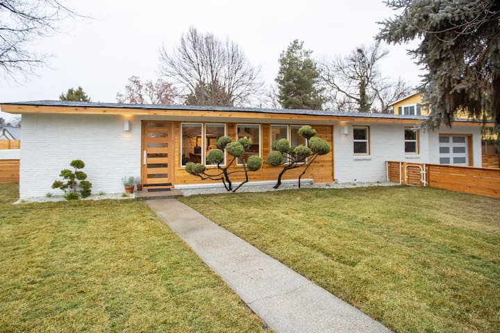 New Listing!!! Featured on HGTV's BOISE BOYS!