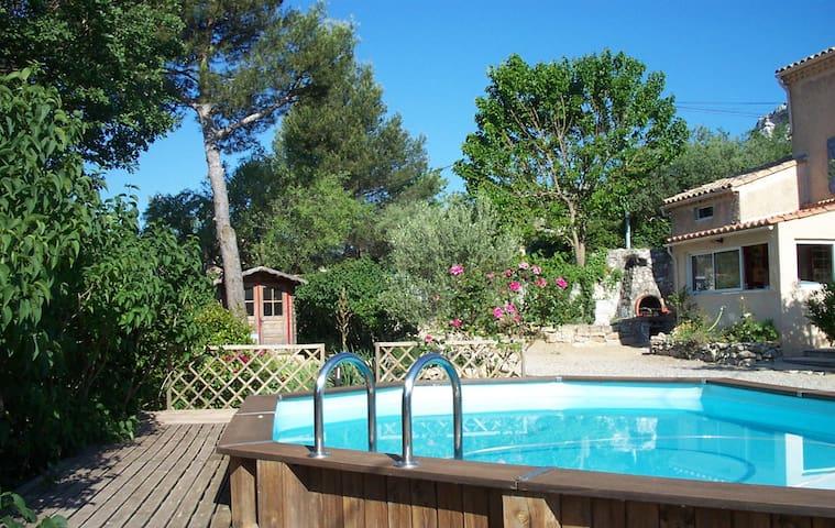 Maison au calme des collines - La Bouilladisse - Huis