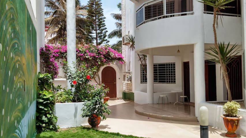 Beautiful Oceanside Villa - Dakar - Huis
