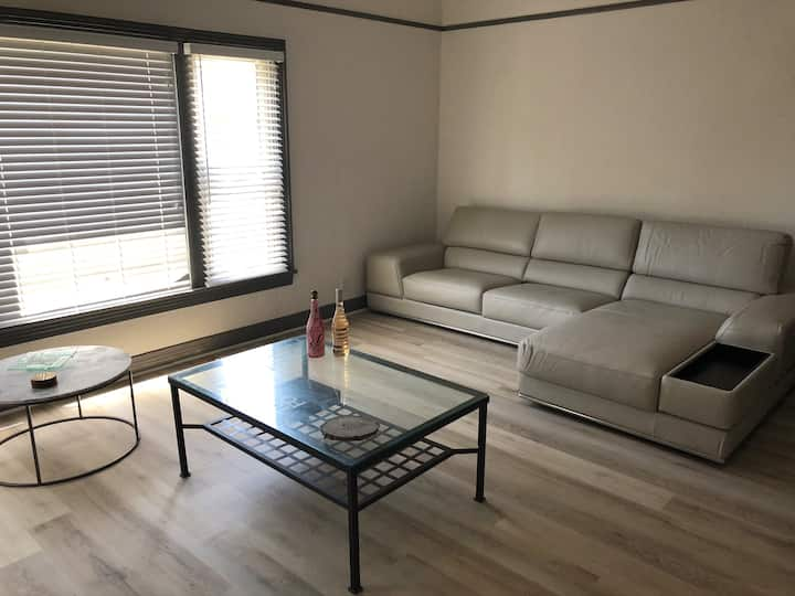 ALL NEW 2bed with parking in Hollywood/SUNSET