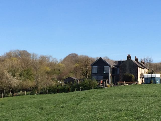 Quiet Rural Wiltshire Hideaway - Hilmarton - Bed & Breakfast