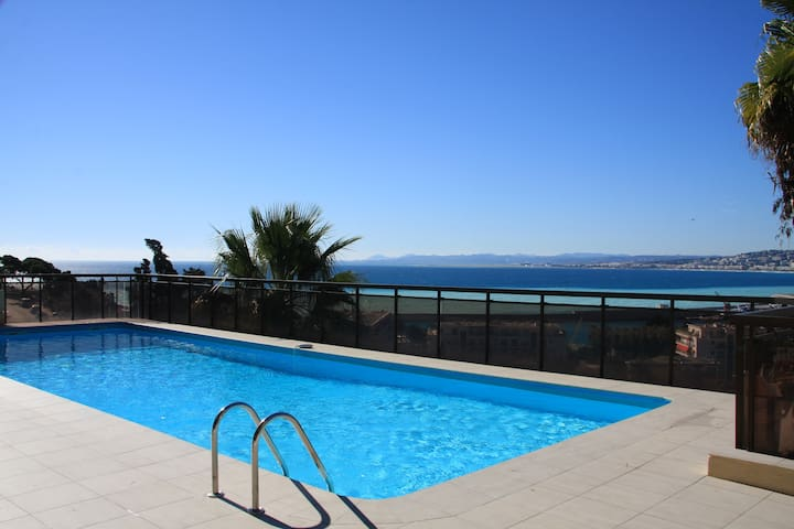 Stunning Sea Views and Pool in Nice
