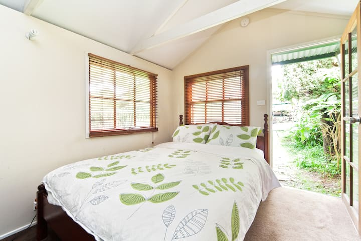 Garden studio with own bathroom - Leichhardt - Kabin