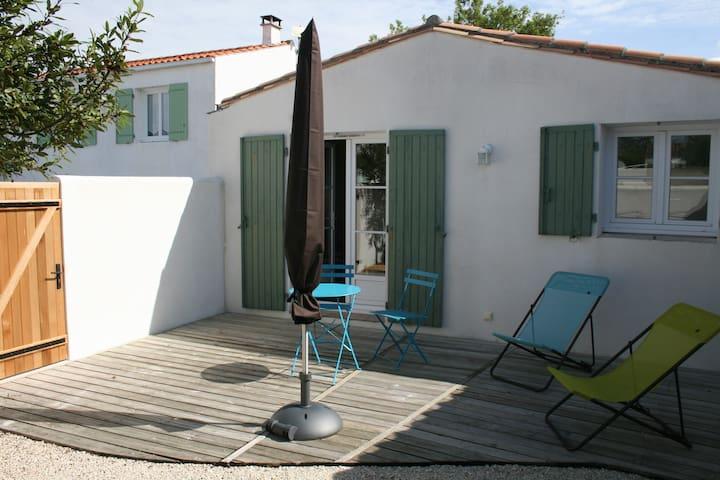 Maison 2 pièces sur cour close - Rivedoux-Plage - Casa