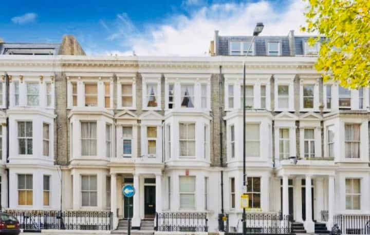 Private house - 3 bedrooms with garden Chelsea